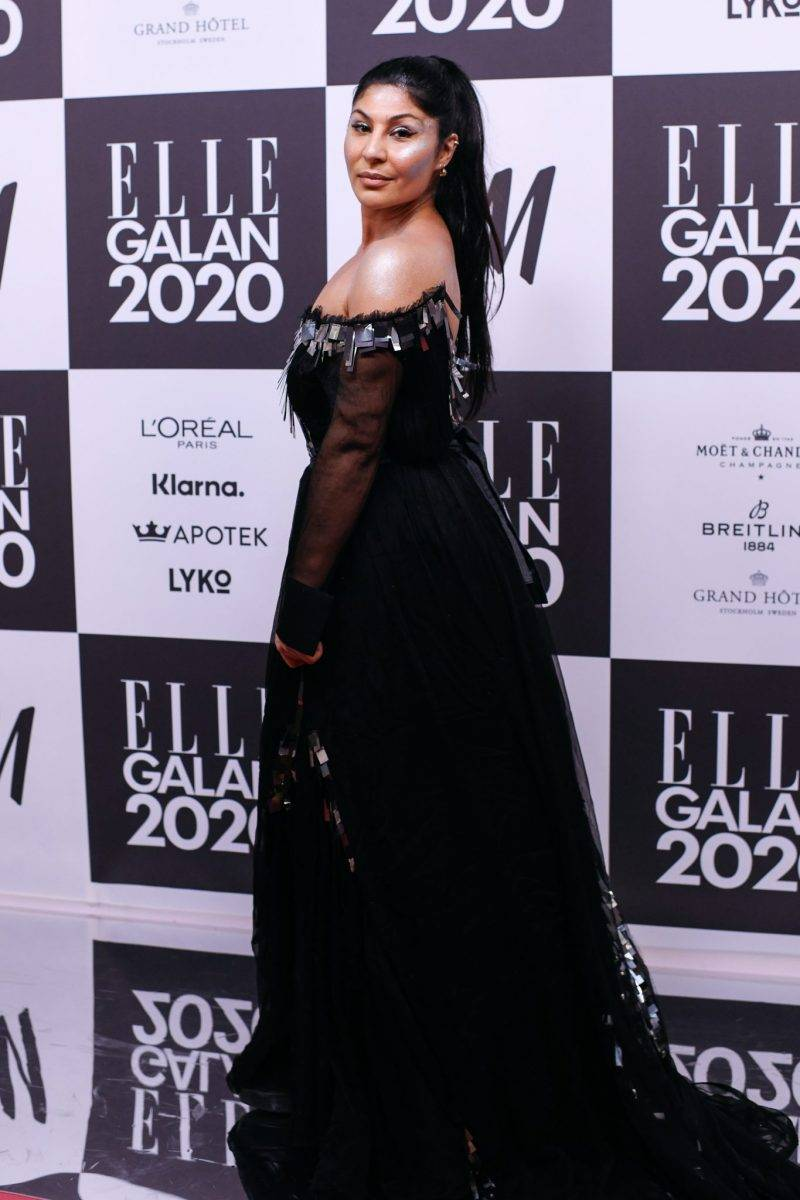 Bahar Pars på röda mattan på elle-galan 2020