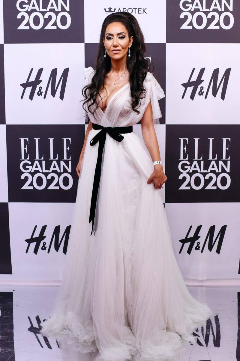 Mouna Esmaeilzadeh på röda mattan på elle-galan 2020