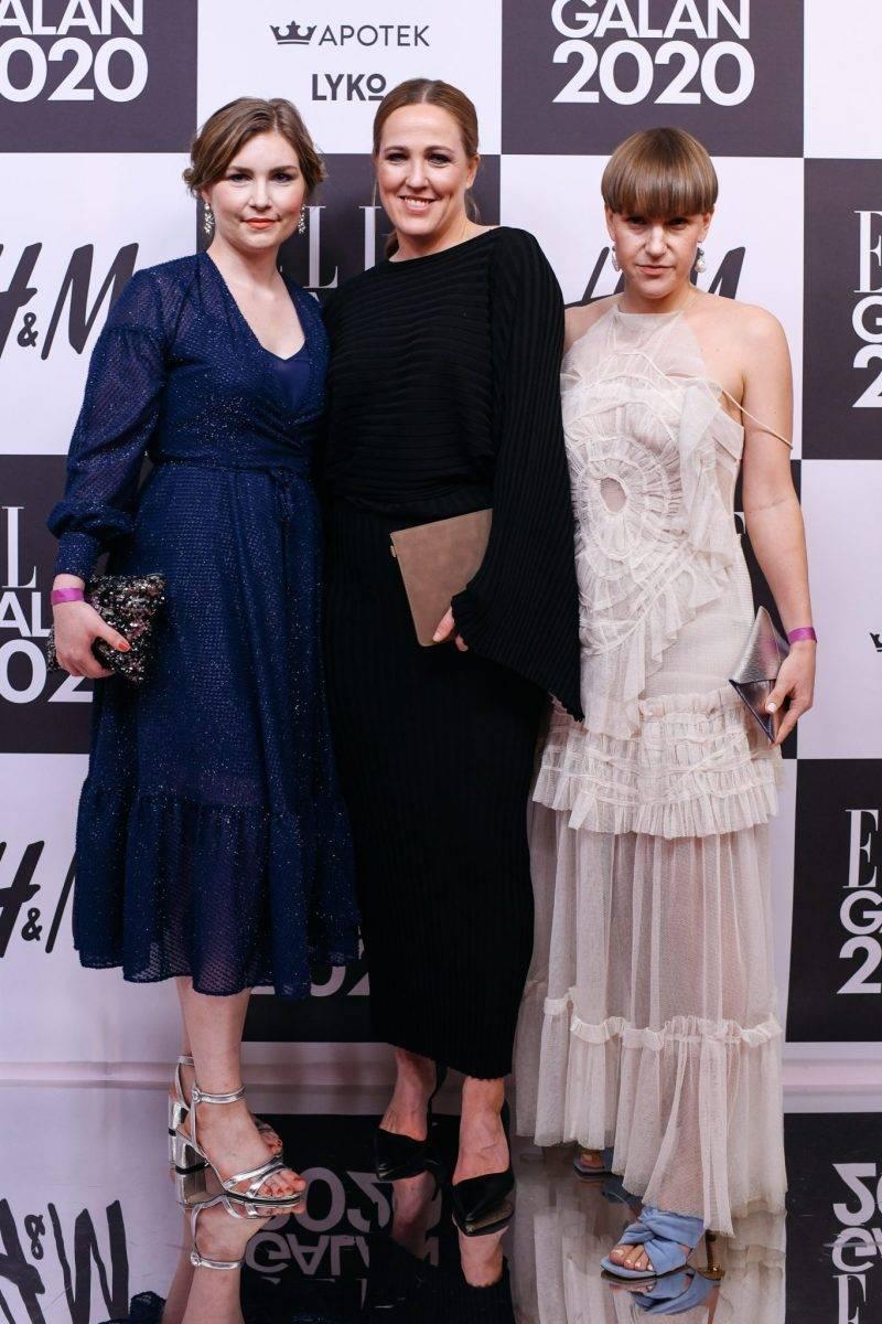 Sara Ångström Burling, Lisa Arnell och Katarina Matsson på röda mattan på elle-galan 2020