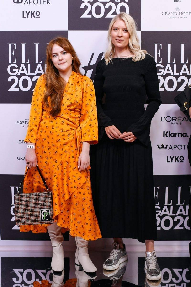 Moa Alfredsson och Emma Svensson på röda mattan på elle-galan 2020