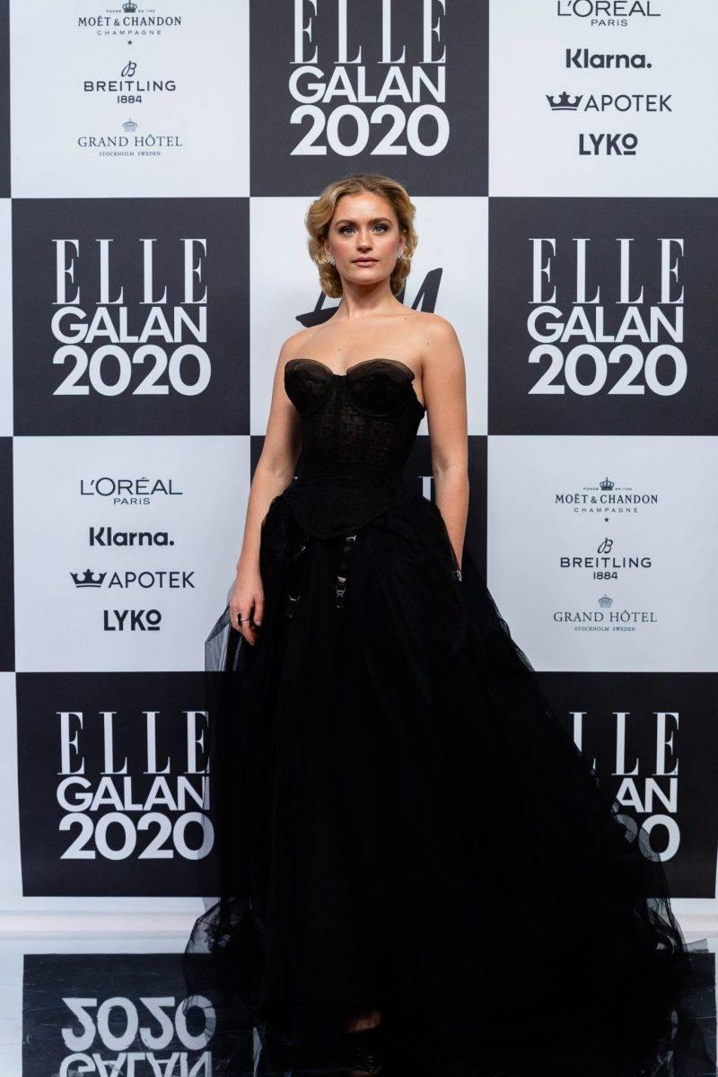 Alicia Agneson på röda mattan på elle-galan 2020