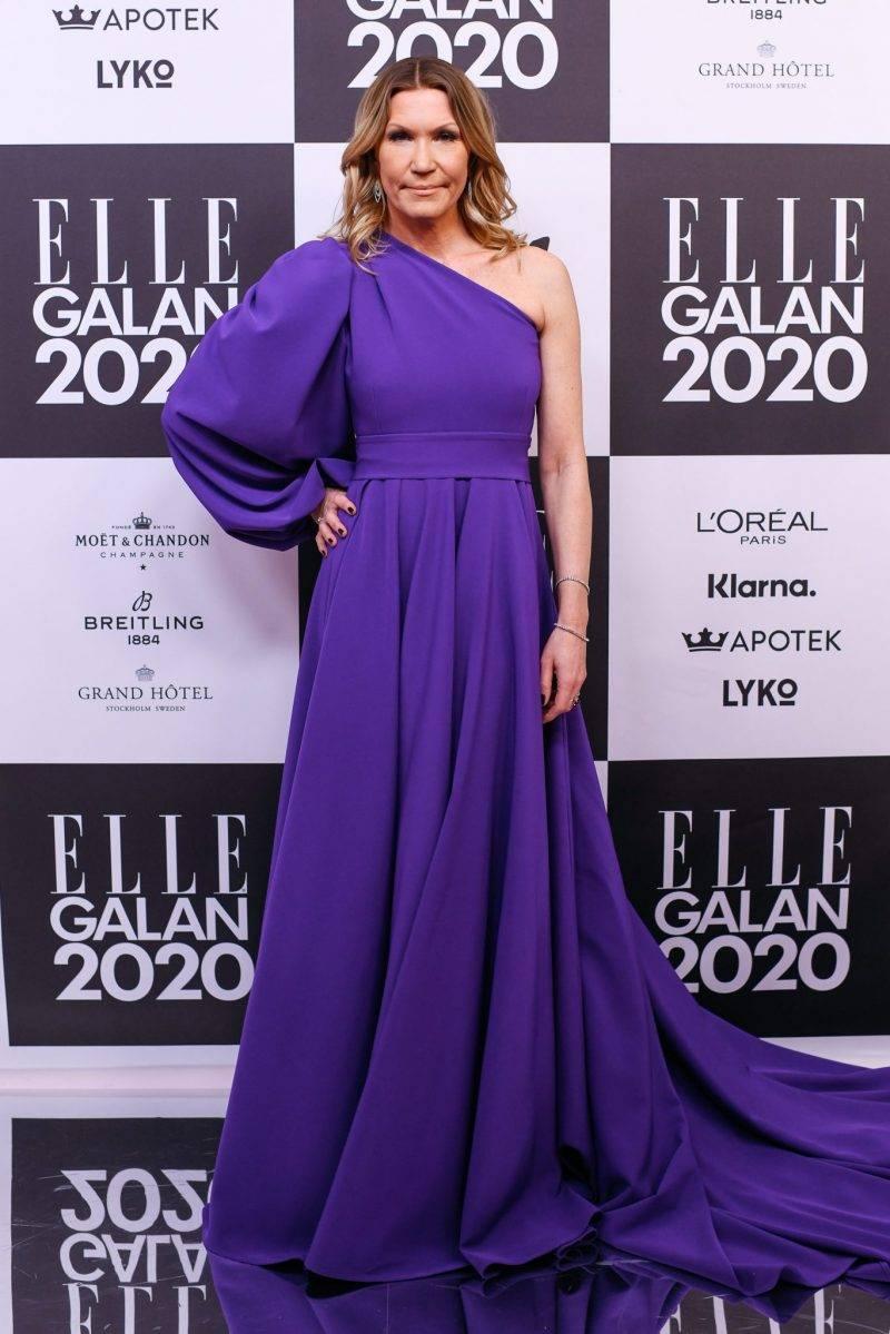 Jenny Alversjö på röda mattan på elle-galan 2020