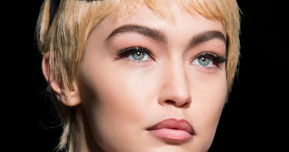 hur använder man en ögonbrynskniv