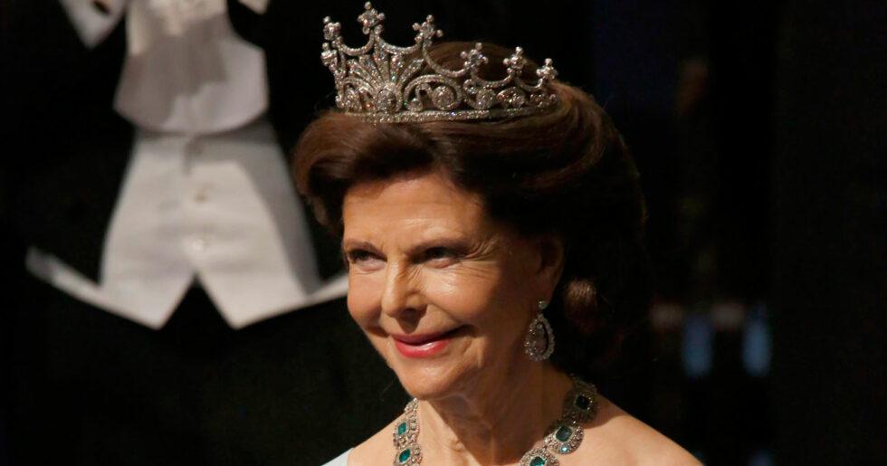 7b0b2d1ca251 Det bar drottning Silvia under Nobelfesten 2018   ELLE
