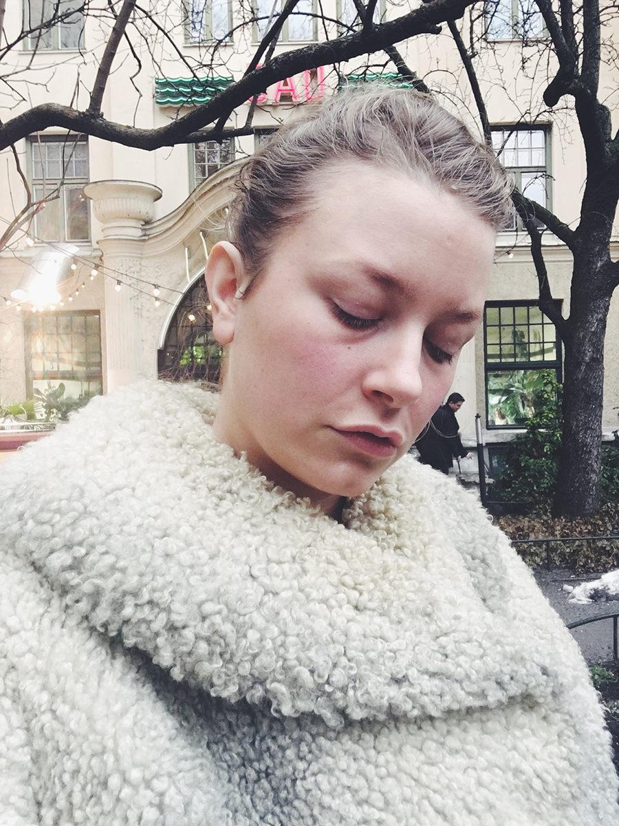 Ramona krok upp klänning fas åtta 1d dating på nätet