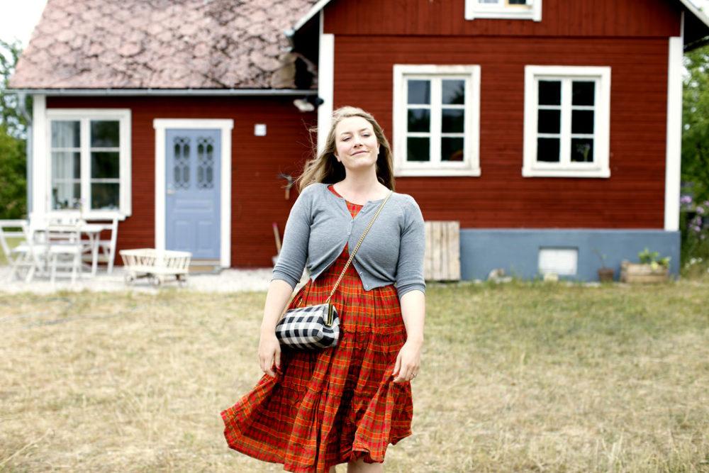 f721cc932764 Onsdag på Gotland – mer badrum och Emmas tapetserade torp | Elsa ...