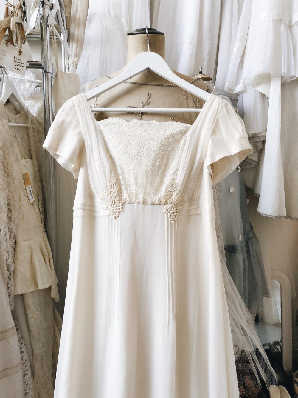 klänningar empirstil