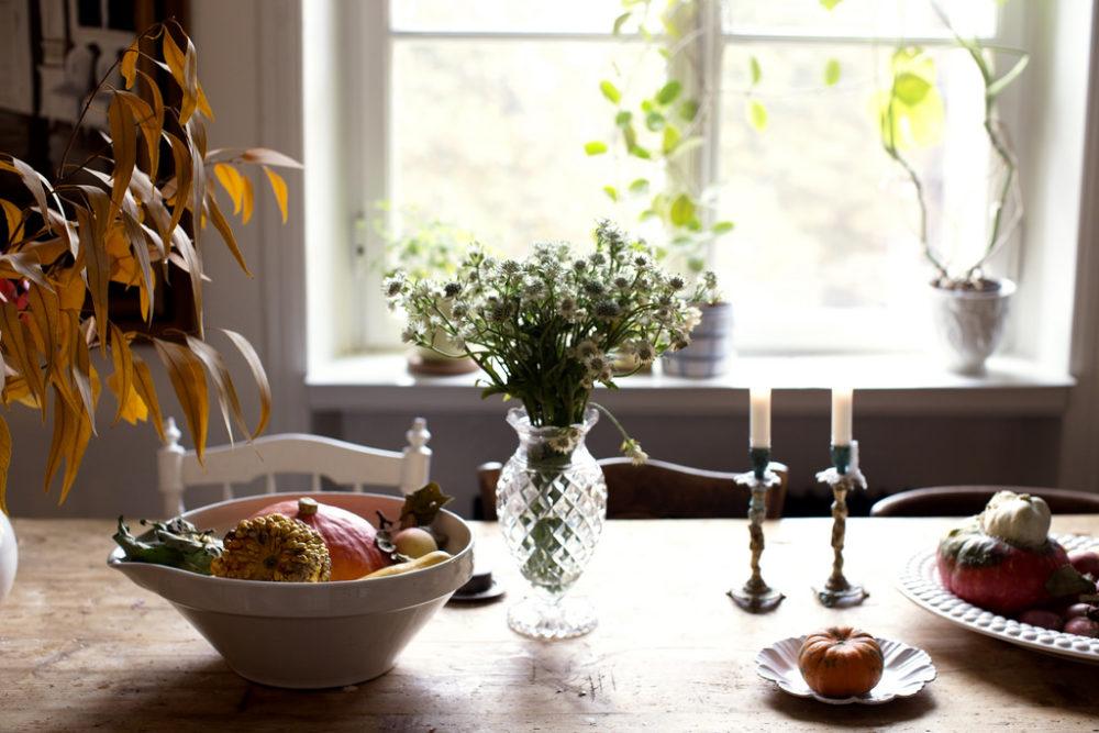 dee4f140f878 ... nöjd med höstpyntet jag fått till på matsalsbordet i år så jag tycker  vi kikar lite närmare på det! Förr i tiden tänkte jag inte att hösten  behöver ...