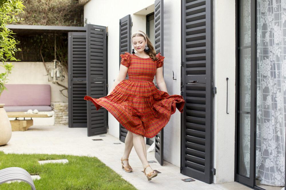 82e9f4e726ff Fina Elsa! Jag har en fråga om vintagemode. Jag har massa fina kjolar,  blusar och klänningar i 50-talsstil, men har alltid svårt för att välja  rätt skor.