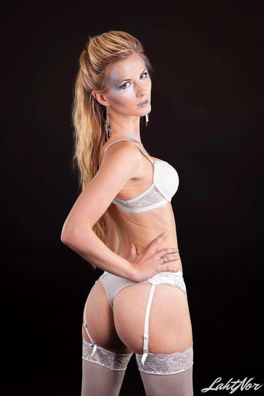 naken modell bloggindiska lesbisk trekant
