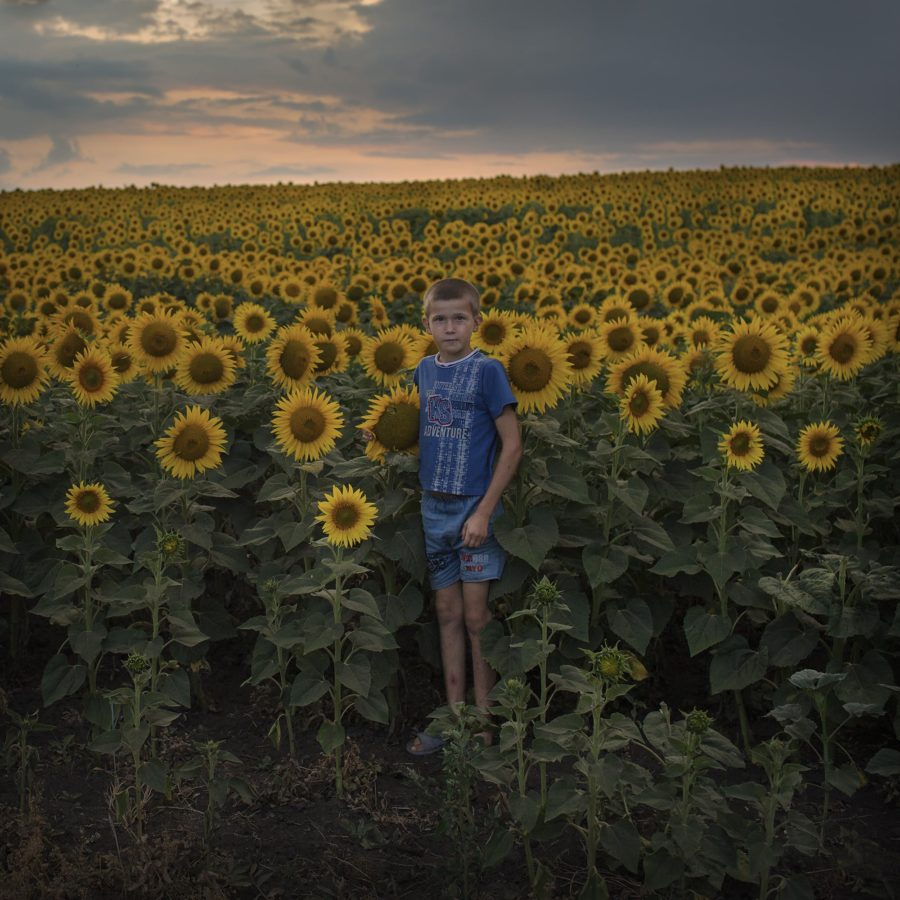 Silent land Photo: Åsa Sjöström Nearly a quarter of the population has moved abroad in search of a better life. Moldova is a white spot on the map and media interest is absent. This is a journey through a silent land in between dreams and reality.