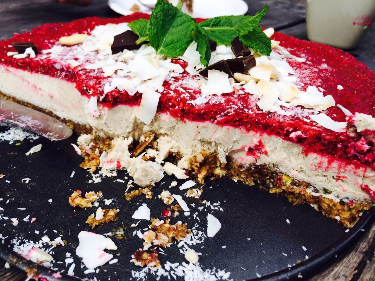 sagolik rawfood tårta recept