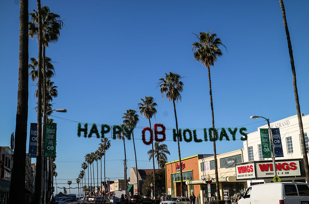 ocean-beach-san-diego-happy-holidays-newport-av
