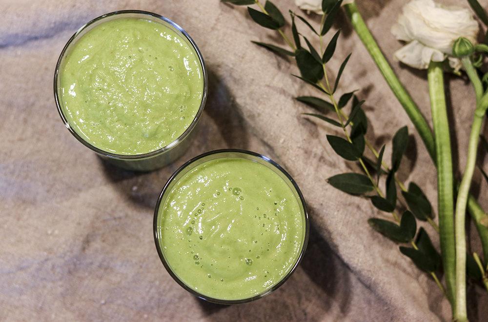 grön smoothie spenat