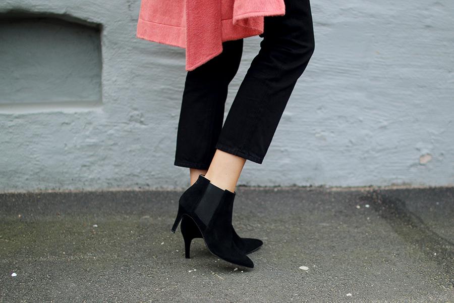 Hanna_stefansson_pink_coat_focus_on_coats_2