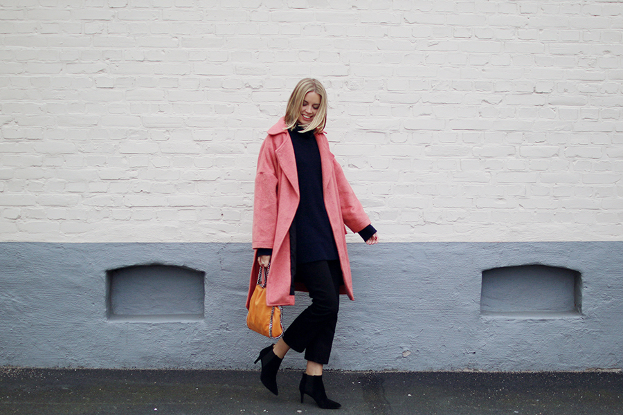 Hanna_stefansson_pink_coat_focus_on_coats_5