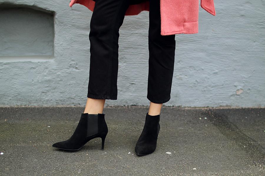 Hanna_stefansson_pink_coat_focus_on_coats_6