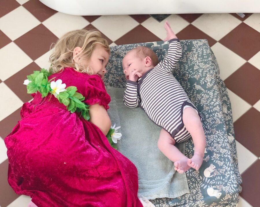 Allt du behöver till en bebis (och vad du kan strunta i