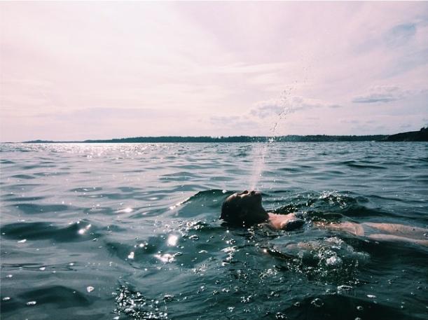 *simmar in i bild*