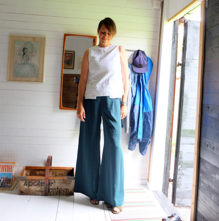 Outfit of the day- Nina Campioni in Lindex pants and Acne Studios top!