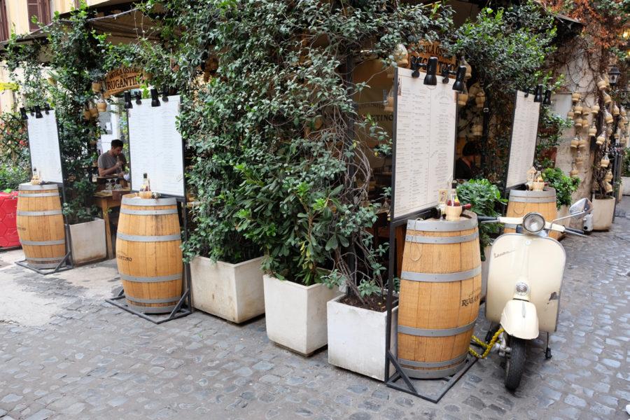 En härlig lunch i det overkligt mysiga Trastevere i Rom