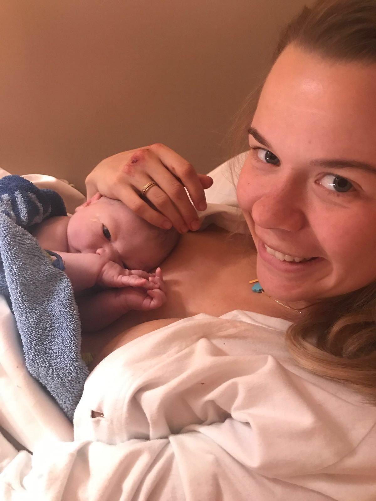 Hela min förlossningsberättelse  – timme för timme.