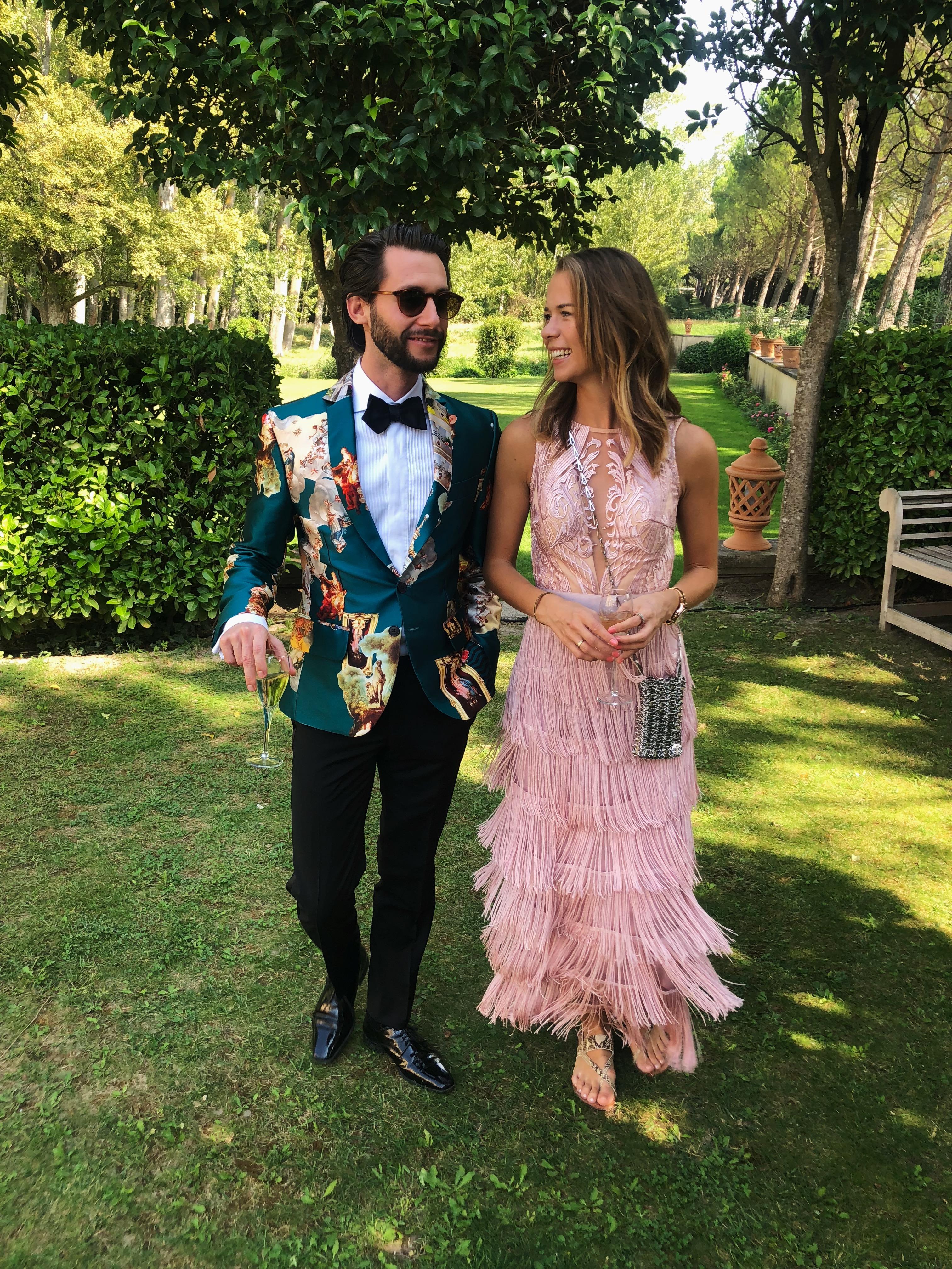 Outfits till bröllopsgäster