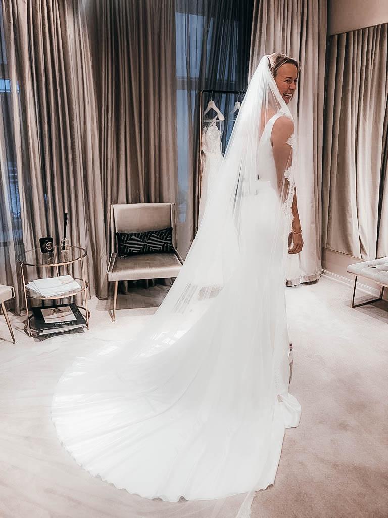 34351051b05e Målet med klänningen är att jag vill känna mig snygg och att Jacob ska bli  lite chockad över mitt val.