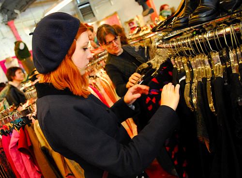 c36973be90b3 Williamsburg's enorma och mest kända second hand affär. Det är så mycket kläder  här att man blir smått snurrig. Men har man tålamod och ...