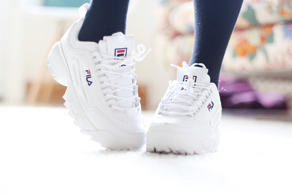 jag minns alla mina vita sneakers och hur de brukade ta på mig ... c84be3963d90c
