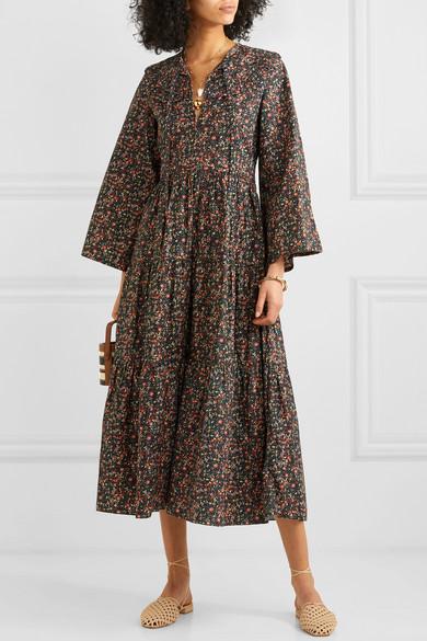 74c335cbb49 Den här DÔEN klänningen får mig att tänka på gamla indiska 70-tals  klänningar men jag älskar att den ändå känns modern och att mönstret är  samma som jag bar ...